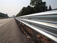 图片 高速公路A级防撞护拦板