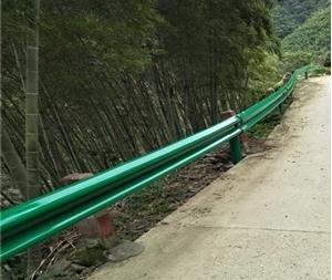 图片 乡村公路护栏板