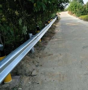图片 乡村公路波形护栏