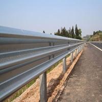 图片 乡村公路三波防护栏