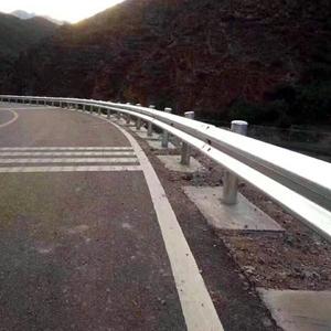 图片 盘山公路护栏