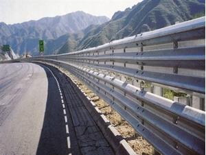 图片 盘山公路三波护栏板